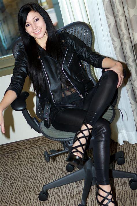 Mistress Eva Milano