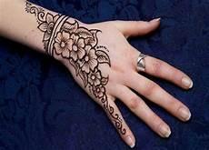 52 Gambar Henna Simple Dan Sederhana Trend Saat Ini