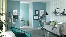 tapeten trends 2018 wohnzimmer internationale mabelmesse struktur und warme farben die tapeten tapeten in dezenten farben aber