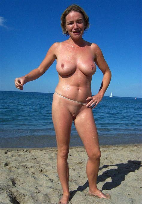 Nude Beach Women Photos
