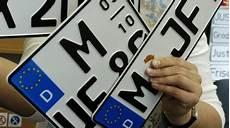 neues auto kennzeichen behalten kfz kennzeichen auto mobil s 252 ddeutsche de
