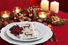 festlich gedeckter tisch weihnachten tischdekoration zu weihnachten unsere ideen f 252 r die