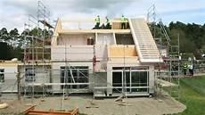 fertighausproduktion bei hanse haus in oberleichtersbach