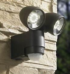 aussenbeleuchtung mit bewegungsmelder led strahler mit bewegungsmelder wandstrahler au 223 enleuchte