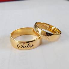 gold engagement rings with name engraved