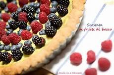 crema ai frutti di bosco crostata ai frutti di bosco freschi con crema alla banana ricetta vegan sano con gusto