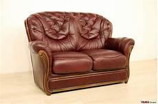 divani classici in legno divano 2 posti classico con finiture in legno in offerta