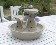 fontanella per gatti con cascatelle keramik im hof