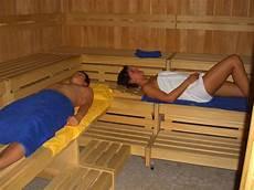 sauna bei erkältung ja oder nein sauna bei bluthochdruck sauna mit bluthochdruck wie gef