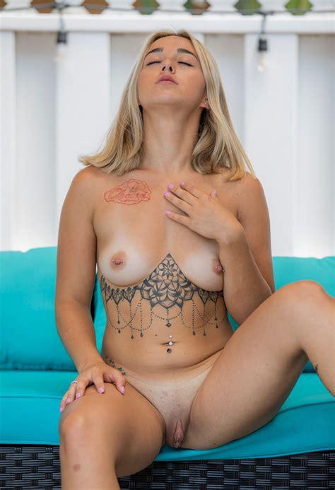 Naked Mature Sexy Women