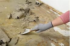 geklebten teppichboden entfernen teppich entfernen gerat