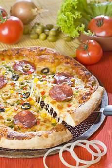 pizza arte besancon pizza fotografia stock immagine di gusto formaggio