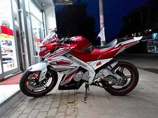 Modifikasi Motor New Vixion by Modifikasi New Vixion Advance Fairing Lightning Velg