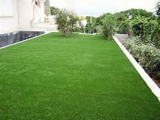 gazon sur terrasse le gazon artificiel un atout de taille dans votre jardin