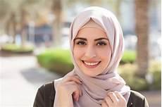 Jilbab Satin Segi Empat Motif Dan Ciput Anti Lagi