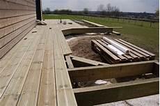 fabrication d une terrasse en bois fabrication d une terrasse en bois sur piloties d 233 co