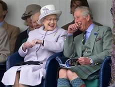 queen elizabeth s engagement ring popsugar fashion uk