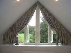 Schräge Fenster Verdunkeln - tolle ideen wie sie ihr dreiecksfenster verdunkeln