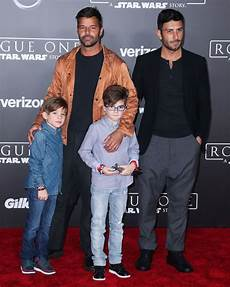 ricky martin kinder ricky martin jwan yosef flash grins matching rings on