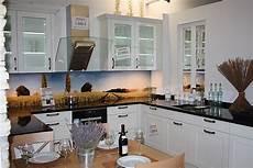 küche landhaus weiß nobilia musterk 252 che landhaus lack wei 223 ausstellungsk 252 che