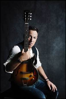 bruce springsteen guitar still climbing bruce springsteen fulfills high hopes on new lp soundbard