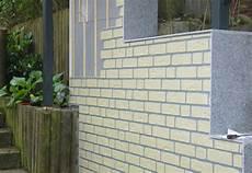 Mauerverkleidung Im Aussenbereich Aus Kunststoff