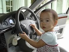 Ab Wann D 252 Rfen Kinder Im Auto Vorne Sitzen Babyschale
