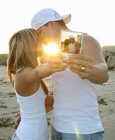 25 Touching Pictures Tutorialchip