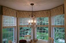 Kitchen Curtains For Bay Windows by Lovely Bay Window Kitchen Curtains 8 Kitchen Bay Window