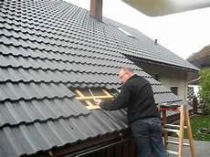 dachziegel verlegen anleitung shi blechziegelmontage auf frankfurter pfanne