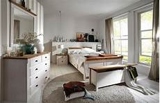 schlafzimmer holz weiß massivholz kommode w 228 schekommode kiefer massiv wei 223 gelaugt