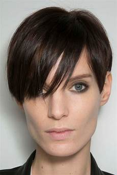 5 of the best short haircuts for square faces