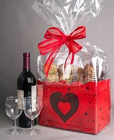 cadeau a sa copine choisir un cadeau pour sa copine un tas d id 233 es pour