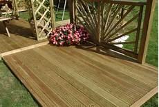 pin classe 4 46794 12a072033 009 lame de terrasse bois rainur 233 e en pin classe 4 marron