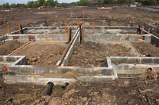 abwasserleitung unter der bodenplatte verlegen 187 wissenswertes