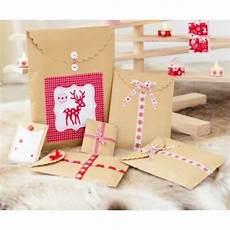 cadeau noel diy 28898 diy de no 235 l fabriquer de jolies pochettes cadeau cultura