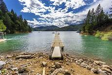 6 lake shasta lake vacations in the u s that have everyone reaching for their