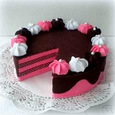 pastel de fresa y chocolate en fieltro patrones gratis