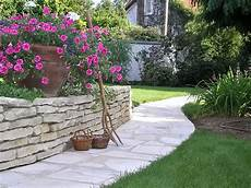 aménagement allée de jardin am 233 nagement de jardin bois jardins