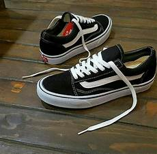 Jual Sepatu Vans Oldskool jual sepatu vans oldskool black white hitam putih di lapak