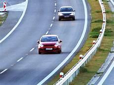Autobahn Rechts Vorbeifahren - die liebe not mit dem rechtsfahrgebot help orf at