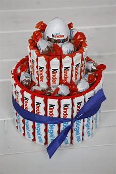 torte aus kinderriegeln kreatives geburtstagsgeschenk anleitung f 252 r eine