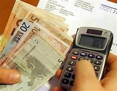 permesso di soggiorno reddito minimo reddito richiesto per pdsce cittadini comunitari