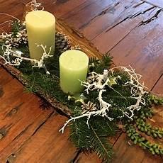 Adventsgesteck In Baumrinde Weihnachten