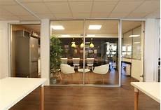 cloison vitrée cuisine pose de cloisons vitr 233 es amovibles de bureaux simple ou
