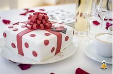 Kuchen Mit Fondant - fruchtige geschenk torte mit buttercreme backina de