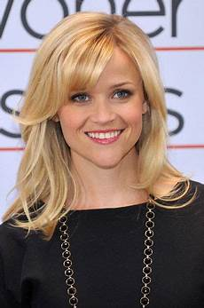 hair sweet hair berlin reese witherspoon in quot how do you quot berlin photo call my style reese witherspoon hair