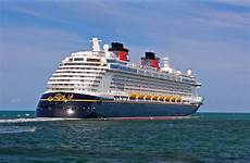 file disney dream ship 2011 002 jpg wikimedia commons