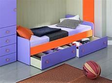 letto singolo con materasso letto singolo con rete a doghe e cassettoni o seconda rete