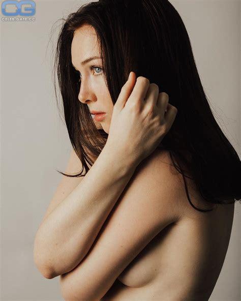 Molly Quinn Nude